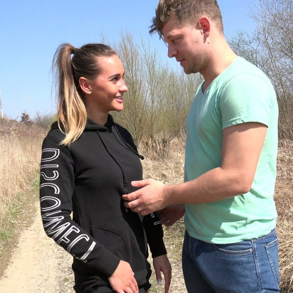 Czech babe Naomi Bennet loves outdoor sex - Photo 5 / 16